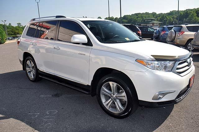 Selling My 2013 Toyota Highlander Limited AWD 4dr
